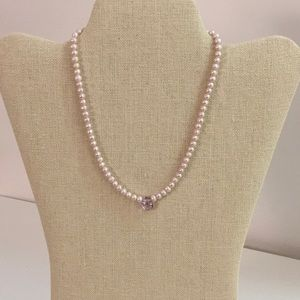 Light pink pearl necklace